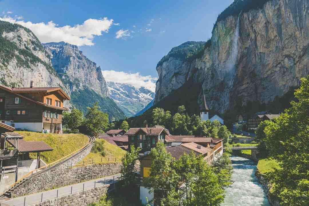 Pourquoi la Suisse est un pays neutre ?